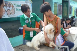 Anti Rabies Vaccination for Dogs and Cats with Municipal Agriculture and Provincial Veterinarians in Barangay Baraca Camachile Subic,Mayor Jay Khonghun (3)