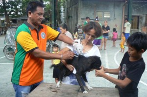 Anti Rabies Vaccination for Dogs and Cats with Municipal Agriculture and Provincial Veterinarians in Barangay Baraca Camachile Subic,Mayor Jay Khonghun (6)