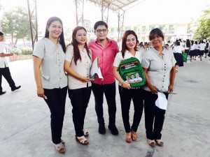 Distribution of Bags and School Kits Calapandayan Elementary School  (3)
