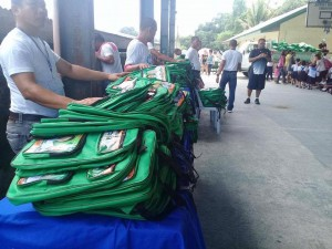 Distribution of Bags and School Kits in Ilwas and Aningway Elementary  (3)