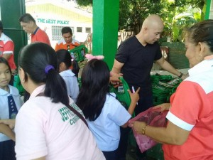 Distribution of Bags and School Kits in Ilwas and Aningway Elementary  (7)