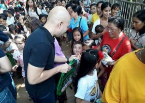 Distribution of Bags and School Kits in Kinabuksan Cawag and Mapanao Asinan Proper Elementary School (3)