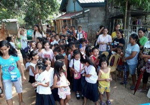 Distribution of Bags and School Kits in Kinabuksan Cawag and Mapanao Asinan Proper Elementary School (9)