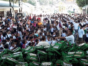 Distribution of Bags and School Kits in Matain Elementary School  (5)