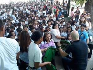 Distribution of Bags and School Kits in Matain Elementary School  (6)