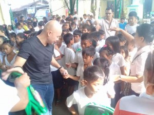 Distribution of Bags and School Kits in Naugsol and San Isidro Elementary  (2)