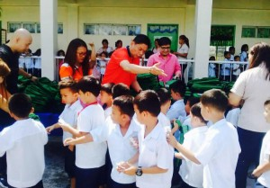 Distribution of Bags and School Kits in Naugsol and San Isidro Elementary  (3)
