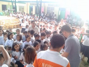 Distribution of Bags and School Kits in Naugsol and San Isidro Elementary  (4)