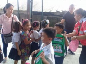 Distribution of Bags and School Kits in Naugsol and San Isidro Elementary  (5)