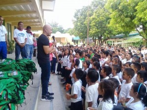 Distribution of Bags and School Kits in Naugsol and San Isidro Elementary