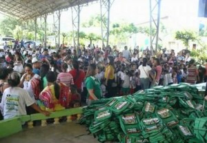 Distribution of Bags and School kits to 2 thousand plus students of Subic Central School (5)
