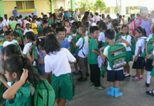 Distribution of Bags and School kits to 2 thousand plus students of Subic Central School (6)