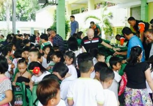 Distribution of Bags and School kits to 2 thousand plus students of Subic Central School (7)