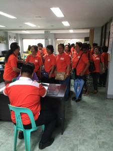 Distribution of Cash Gift Barangay Nutrition Scholars(BNS) and Municipal Health Workers of Subic (3)