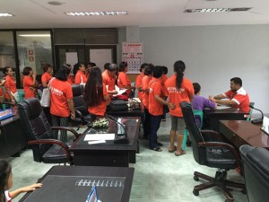 Distribution of Cash Gift Barangay Nutrition Scholars(BNS) and Municipal Health Workers of Subic (9)