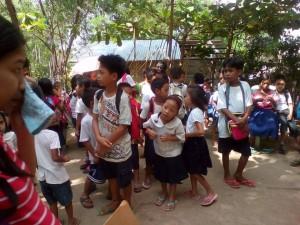 Distribution of School Kits in Nagyantok and Agusuhin Elementary School  (4)