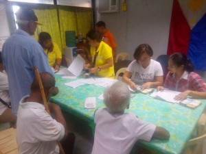 Distribution of Socialize Pension to our Beloved Senior citizen in Subic (5)
