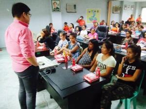 Kinausap ni Mayor Jay Khonghun Ang mga Kabataan na Nabuntis Sa Bawat Barangay ( kinse anyos pinaka batang edad ) (1)