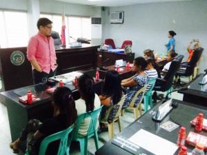 Kinausap ni Mayor Jay Khonghun Ang mga Kabataan na Nabuntis Sa Bawat Barangay ( kinse anyos pinaka batang edad ) (11)