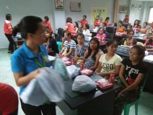 Kinausap ni Mayor Jay Khonghun Ang mga Kabataan na Nabuntis Sa Bawat Barangay ( kinse anyos pinaka batang edad ) (2)