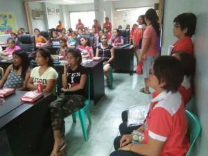 Kinausap ni Mayor Jay Khonghun Ang mga Kabataan na Nabuntis Sa Bawat Barangay ( kinse anyos pinaka batang edad ) (3)