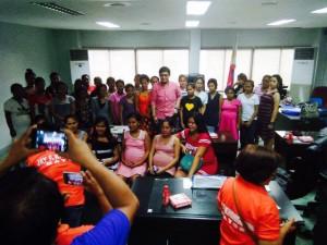 Kinausap ni Mayor Jay Khonghun Ang mga Kabataan na Nabuntis Sa Bawat Barangay ( kinse anyos pinaka batang edad ) (4)