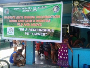 Massive Anti rabbies vacination barangay calapandayan Subic (9)