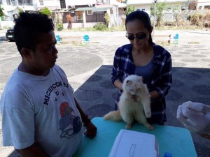 Massive anti Rabbies Vaccination for Dogs and Cats in Magdalena Homes Brgy Sto Thomas Subic (11)