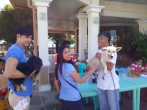 Massive anti Rabbies Vaccination for Dogs and Cats in Magdalena Homes Brgy Sto Thomas Subic (5)
