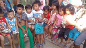 New Year Gift giving of Mayor Jay Khonghun in Asinan Proper and Sabado Nights Calapacuan