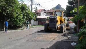 Pag sasaayos Ng Lubak Na kalsada Sa Barangay San Isidro Subic (5)