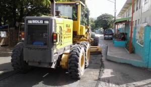 Pag sasaayos Ng Lubak Na kalsada Sa Barangay San Isidro Subic (6)