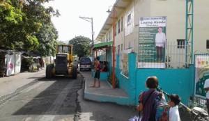 Pag sasaayos Ng Lubak Na kalsada Sa Barangay San Isidro Subic (8)