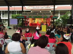Subic National High School Acquaintance Party and Oath taking of Officers (11)