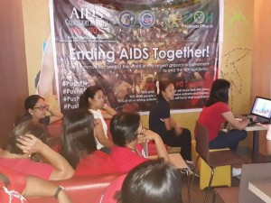 World AIDS Day Candle Light Memorial ENDING AIDS TOGETHER  (14)