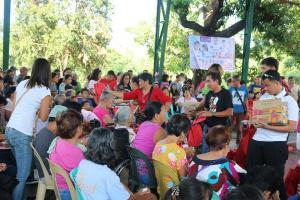 Mayor Jay Khonghun, namahagi ng pameryendang Jollibee sa ating BINGo BiDa (BING-DARA) Bonanza Caravan sa Barangay Santiago!